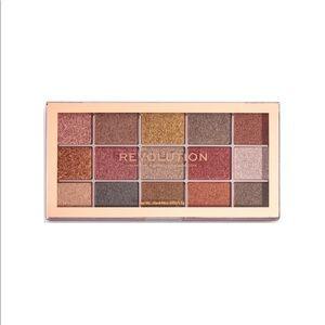 MAKEUP REVOLUTION Foil Fusion Eyeshadow Palette
